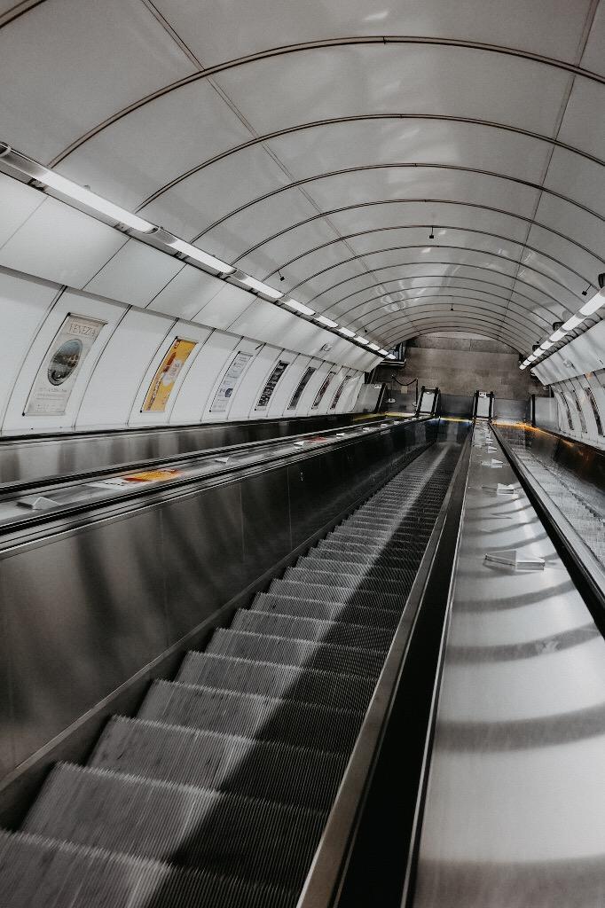 prag-städtetrip-sommer-metro
