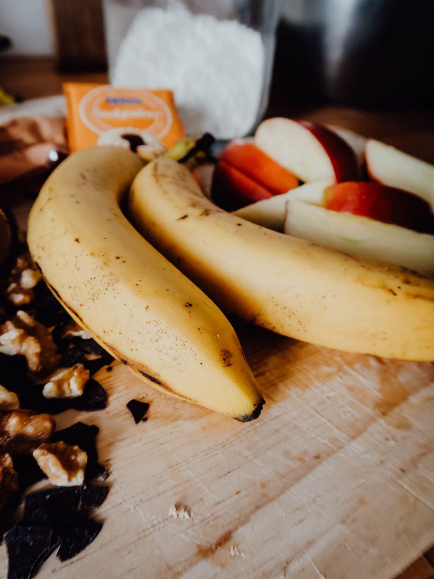 zutaten-titelbild-rezept-lebenahoi-rezept-bananenbrot-vegan-zuckerfrei-lecker-schnell-backen
